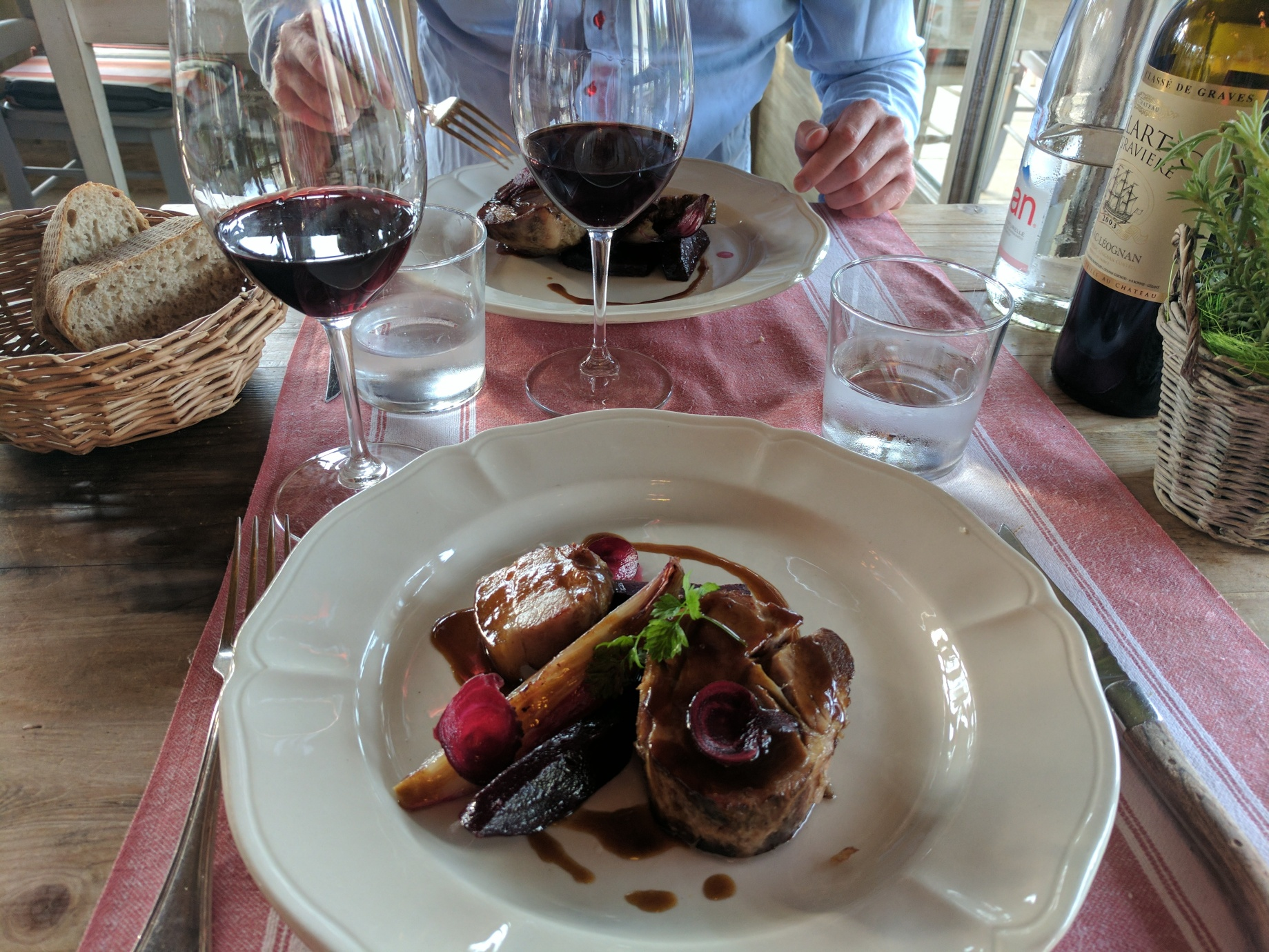 Dinner At The Vineyard La Table Du Lavoir Bordeaux Nicole Wyn